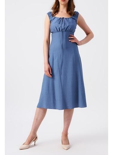 Random Kadın Büzgülü Kare Kesim Yakalı Kolsuz Midi Elbise Mavi